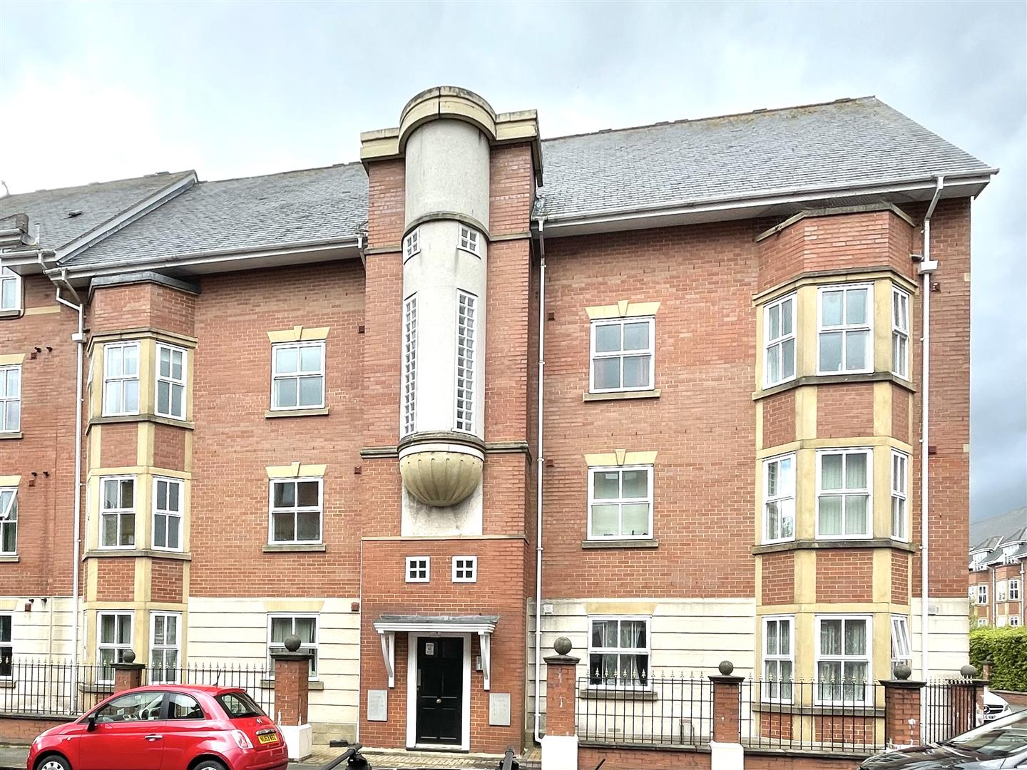 Sovereign Court Newcastle Upon Tyne, 2 Bedrooms  Apartment ,Sold (STC)